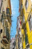 Small narrow street in Lisbon — Stock Photo