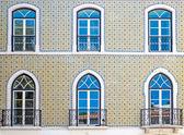 Façade en mosaïque typique à Lisbonne — Photo
