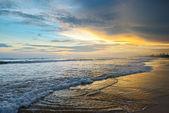 Beautiful sunrise over the ocean — Stock Photo