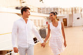 Couple holding hands on cruise ship — Stock Photo