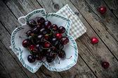 Fresh Black Cherries — 图库照片