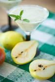 Pear smoothie — Stock Photo