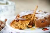 Honey cake — Stock Photo