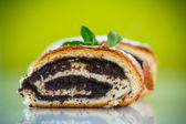 Sweet roll with poppy seeds  — Stock Photo