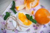 yogurt with mandarin oranges — Stock Photo