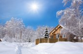 Wooden Siberian house in winter snow — Stock Photo