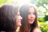 Mother with teenage daughter — Stockfoto