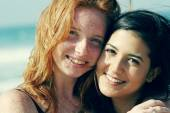 Teenage girlfriends on the beach — Foto de Stock