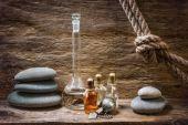 Frascos com óleos essenciais — Foto Stock