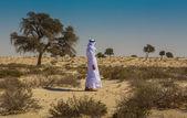 Arab in the Arabian desert — Stock Photo