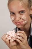 Girl eating dessert — Stock Photo