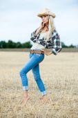 Beautiful blonde girl — Stock Photo