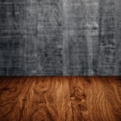 Mesa con pared de madera — Foto de Stock