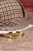 Sherlock Hat and magnifying glass — Stock Photo