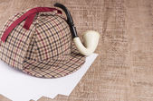 Sherlock Hat and Tobacco pipe — Stock Photo