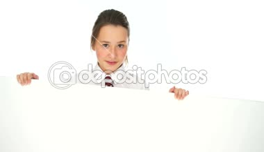 Smiling young girl holding a blank white banner — Stock Video