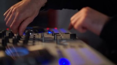 DJ mixing music on his deck — Stock Video