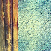 Toned azure drips and wooden timber as abstract background. — Stock Photo