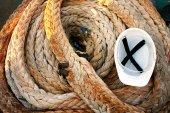 Rope and helmet — Stock Photo
