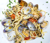 Паста с моллюсков блюдо — Стоковое фото