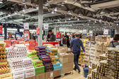 Interieur van Duty Free Shop in Oslo Gardermoen internationale Airp — Stockfoto