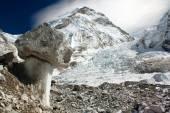 Bizarre mushroom on a glacier on the way to Everest Base Camp - Khumbu glacier - Nepal — Stock Photo