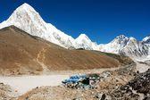 Gorak Shep village and Kala Patthar view point on Everest, Pumo Ri and Nuptse - Nepal — Stock Photo