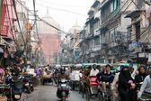 Overcrowded street in old Delhi — Stock Photo