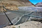 Rope hanging suspension bridge above Kali Gandaki — Stock Photo
