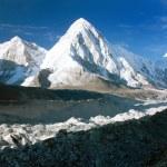 Khumbu valley, khumbu glacier and pumo ri peak — Stock Photo #54398781
