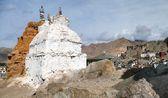Stupas in Leh and Leh palace — Stock Photo