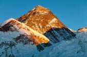 Evening view of Mount Everest from Kala Patthar — Stock Photo
