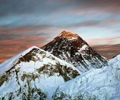 Evening view of Everest from Kala Patthar — Stock Photo