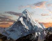 Ama Dablam on the way to Everest Base Camp — Stock Photo