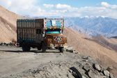 Colorful truck brand TATA in Indian Himalayas — Stock Photo