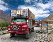 Colorful trucks brand TATA in Indian Himalayas — Stock Photo