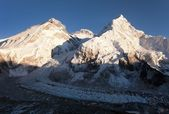 Panoramic view of Mount Everest, Lhotse and Nuptse — Stock Photo
