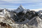 Evening view of Ama Dablam — Stock Photo