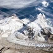 Mount Everest, Lhotse and Nuptse from Pumo Ri base camp — Stock Photo