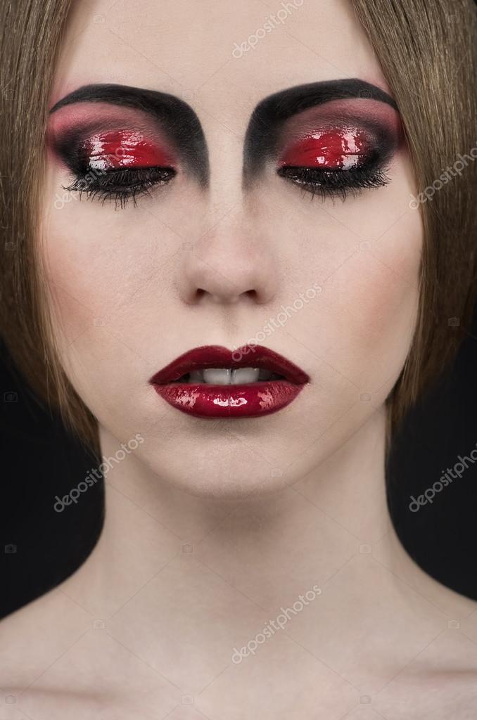 Femme avec du maquillage professionnel vampire noir et rouge photographie flexdreams 61550157 - Maquillage vampire femme adulte ...
