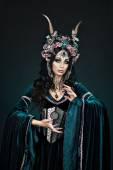 Mulher de elf linda fantasia — Fotografia Stock