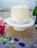 Wedding cake on the table — Stock Photo