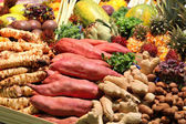 A many colorfull vegetables and fruits on the market stand — Stock Photo