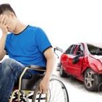 estrés y paciente de discapacitados con el concepto de accidente de coche — Foto de Stock   #80825616