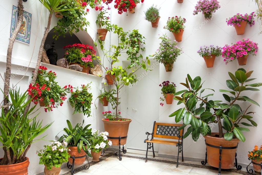 Primavera flores decoraci n de casa antigua c rdoba - Decoracion cordoba ...