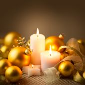 Christmas Golden Candles Decoration with Glitter and Baubles — Stock Photo