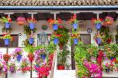 Typical Terrace (balcony) decorated Pink and Red Flowers, Spain — Foto Stock