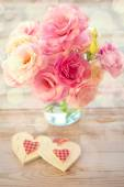 Love Still life - Beautiful Eustoma Flowers and Two Handmade Hea — Stock Photo