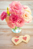 Love Vintage Background - Beautiful Flowers and Two Handmade Hea — Stockfoto