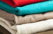 Красочные одежды стека — Стоковое фото